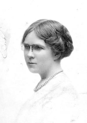Dorothy Richardson, circa 1920