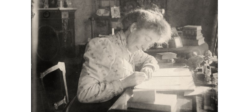 edwardianwomanwriting