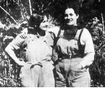 Eve and June Langley in their pea-picker guises as Steve and Blue